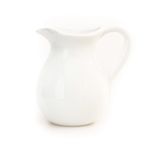 Een prachtig witte waterkan uit de Bianco Lucido collectie van Pro Italia